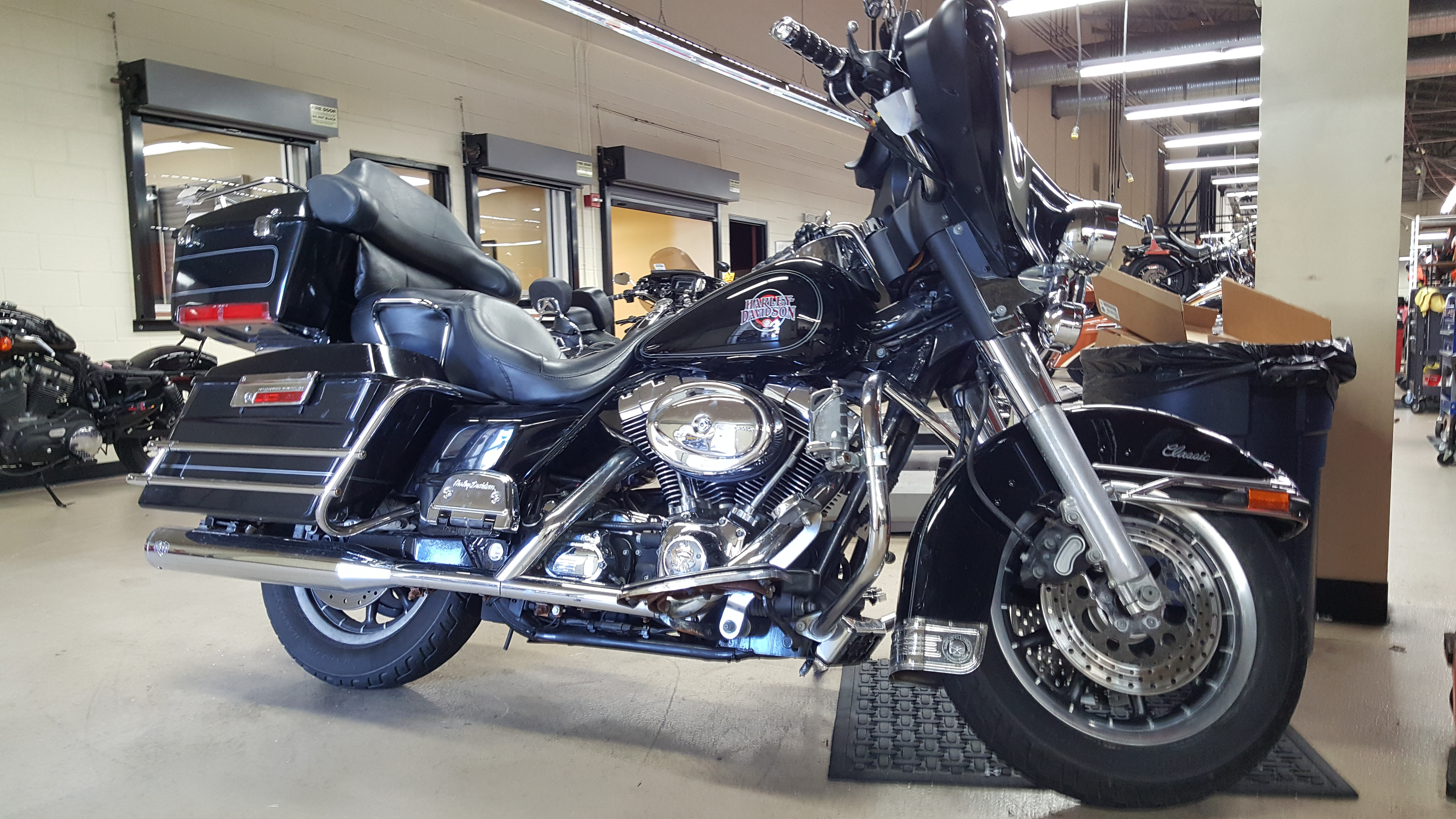 Pre-Owned 2004 Harley-Davidson Electra Glide Classic