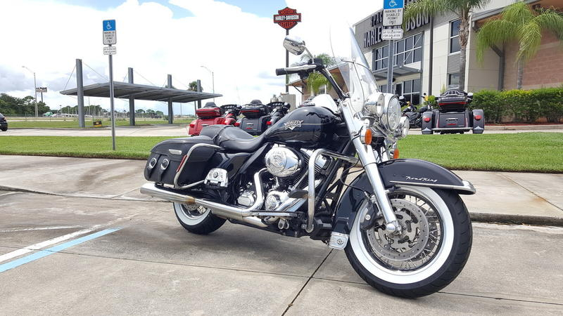 Pre-Owned 2013 Harley-Davidson Road King Classic