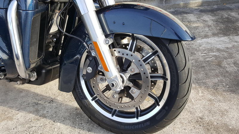Pre-Owned 2016 Harley-Davidson Road Glide Ultra