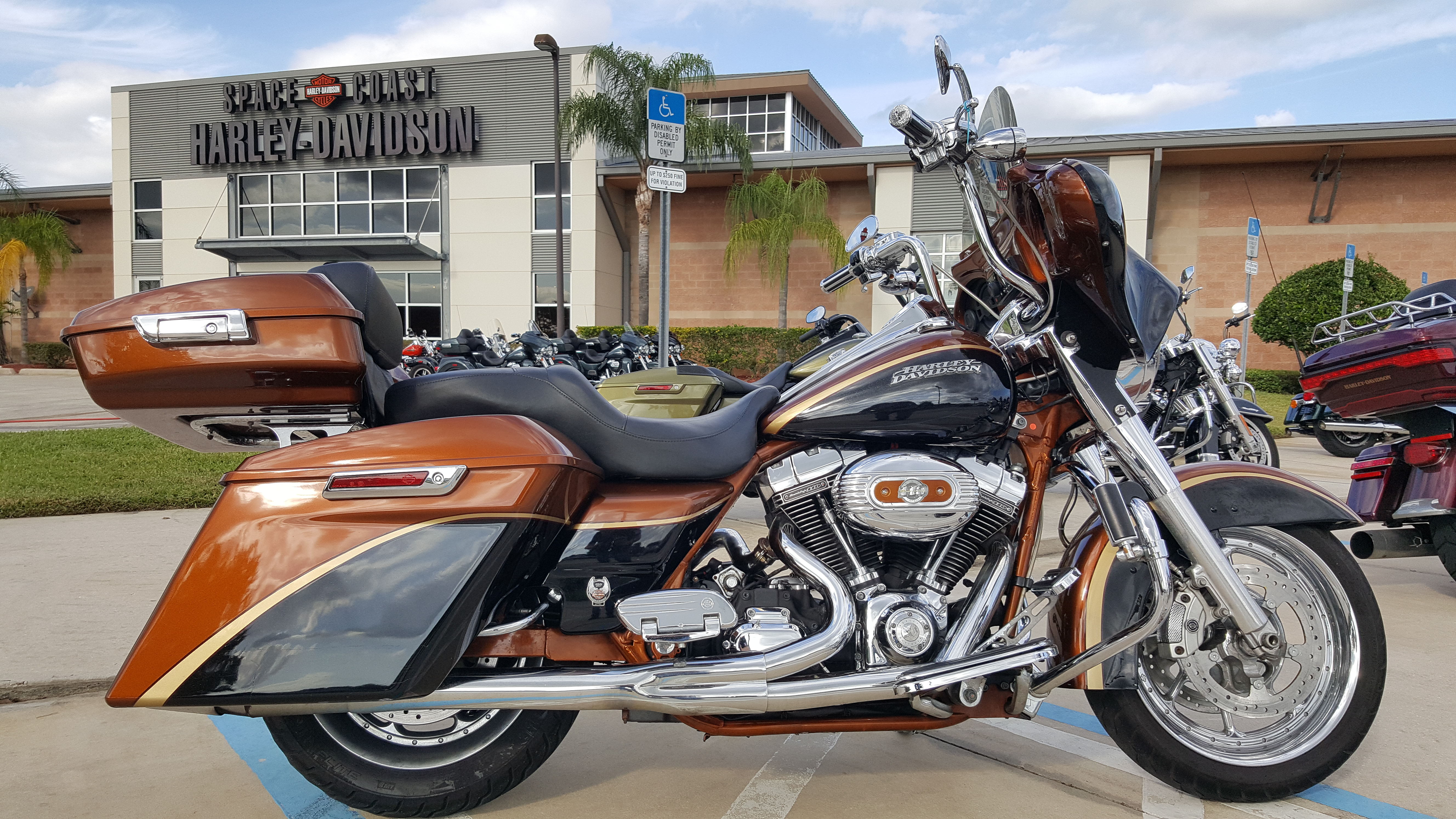 Pre-Owned 2008 Harley-Davidson Screamin Eagle Road King 105th Anniversary
